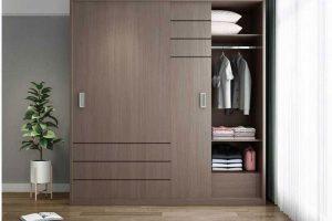 Bạn nên lưu ý một số tủ quần áo có cánh cửa trượt sẽ giúp bạn tiết kiệm không gian và hạn chế tiếng ồn.